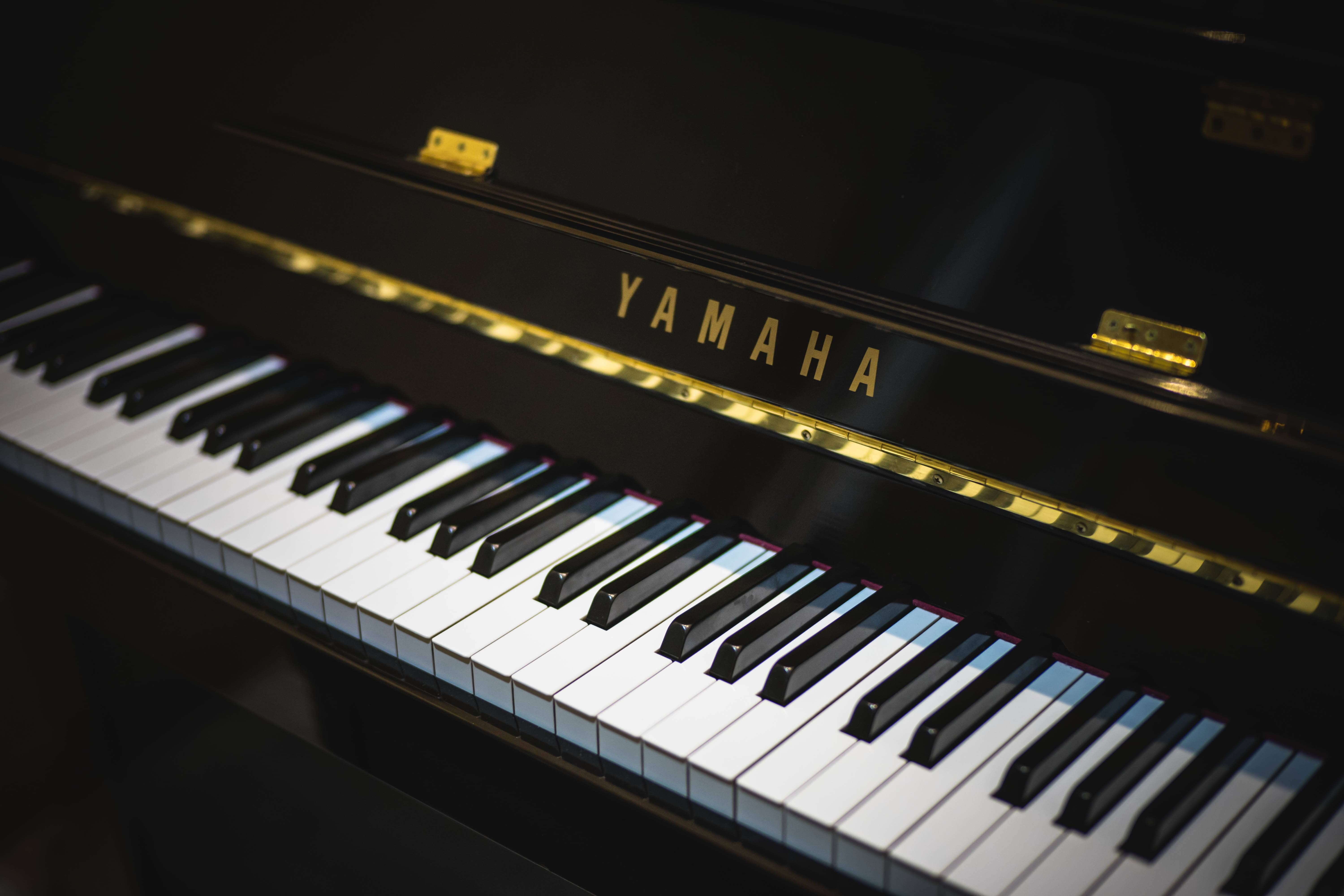How to Safely Whiten Piano Keys