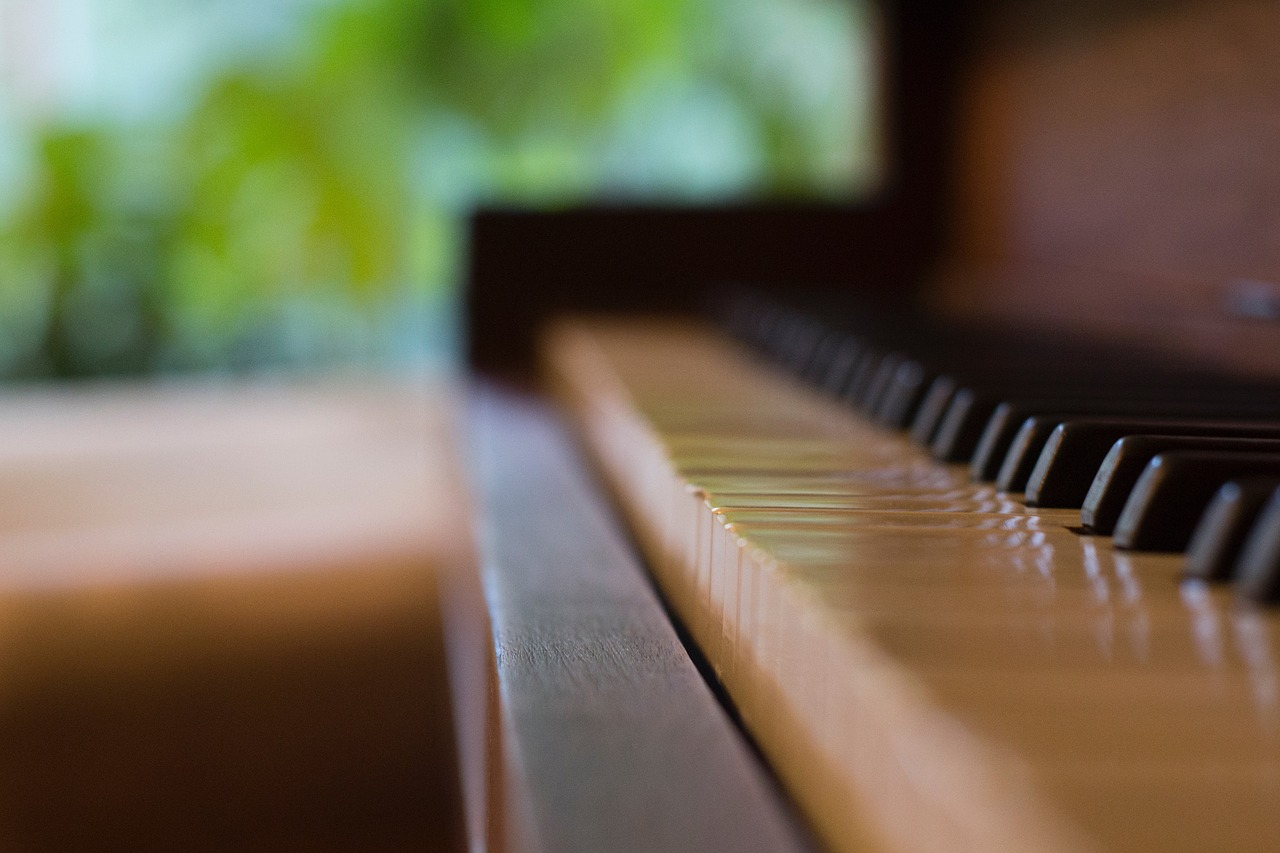 Piano next to a window subject to temperature and humidity