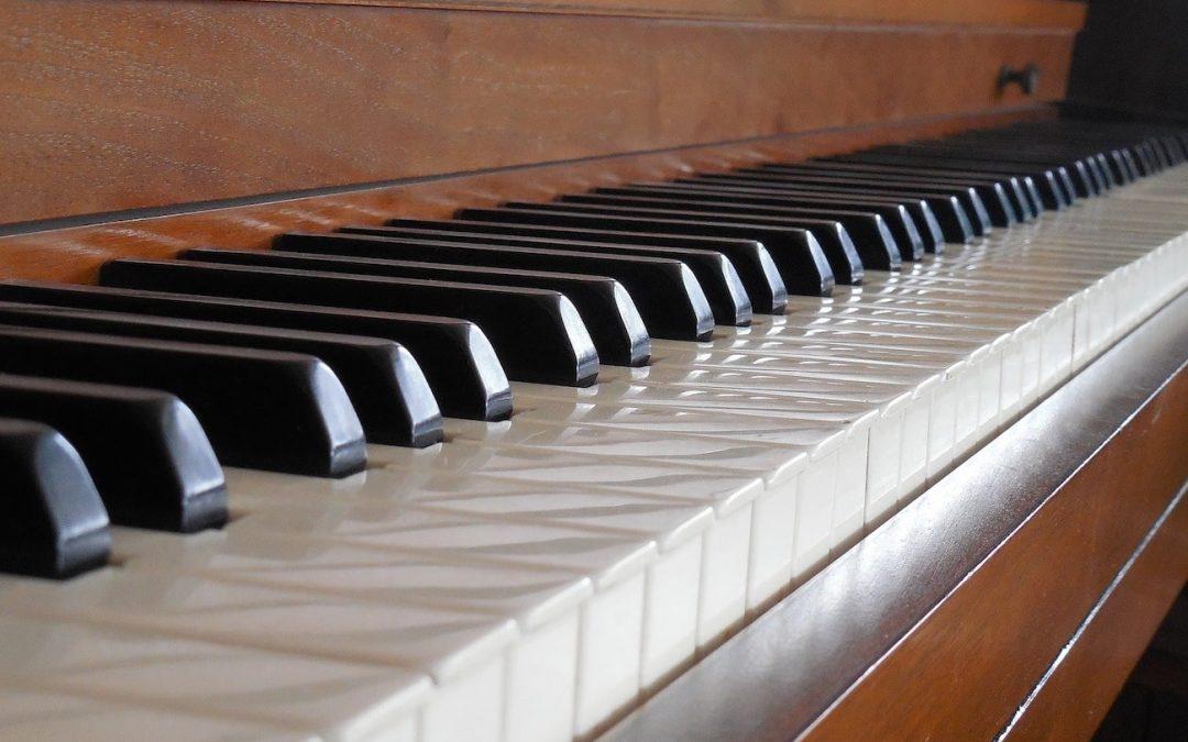 Spinet piano keys